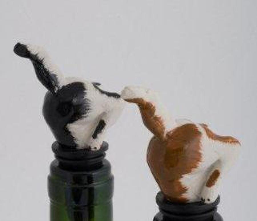 Dog bottle stopper
