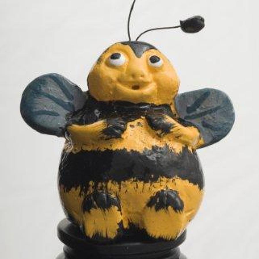 Bee bottle stopper