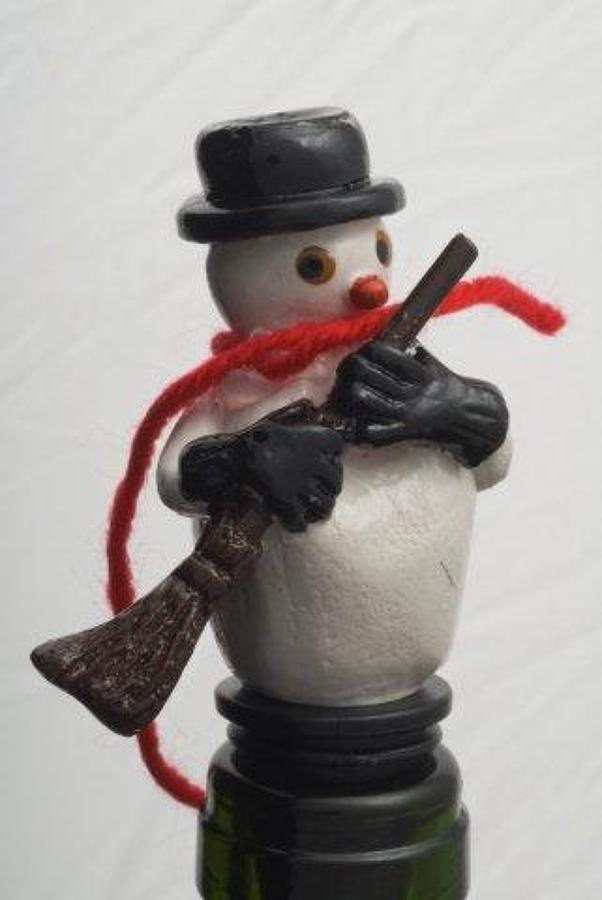 Wobbly head Snowman bottle stopper