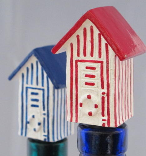 Beach Hut bottle stopper